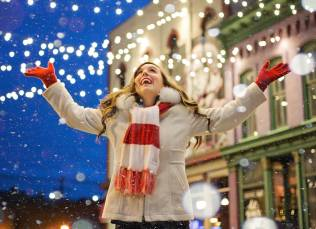 Social media with effective Christmas and New Year ideas